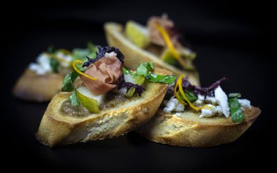 Crostini with Brie and Fig/Orange Sauce