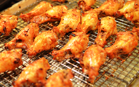Crispy Baked Chicken Wings with Mango Sauce
